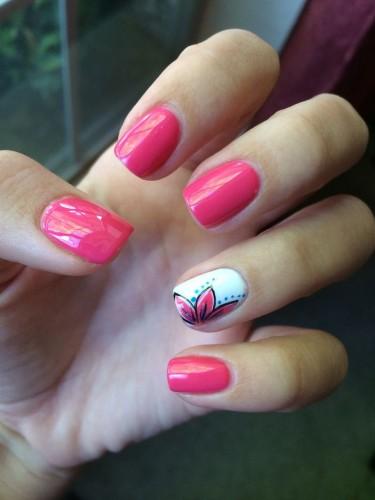 Nail Art con fiori primavera inspired
