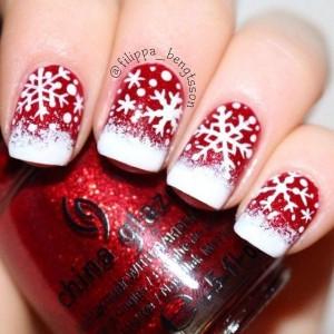 Nail art con fiocchi di neve
