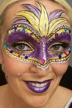 Maschere di Carnevale con il make up
