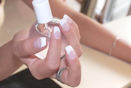 rimuovere il gel unghie