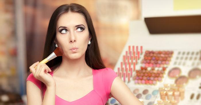Come ingrandire il seno con il makeup